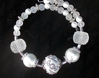 White Bracelet, Jesse James Bead Bracelet, Bride Wedding Bracelet, Big Bead Chunky Bracelet, White Bead Bracelet, Wrist 6-1/2 to 7-1/2 in.