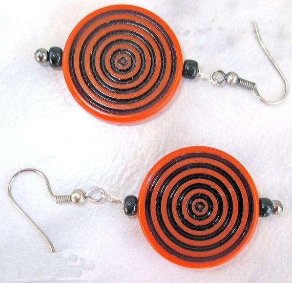 Orange and Black Halloween Earrings, Team or School Colors Earrings, Large Lightweight Spiral Pattern Earrings, 2-1/4 inches