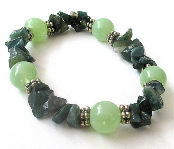 Green Gemstone Bracelet, Petite Stretch Bracelet, Green Agate Bracelet, Gift for Young Lady, Green Stretch Bracelet, St. Patrick's Day