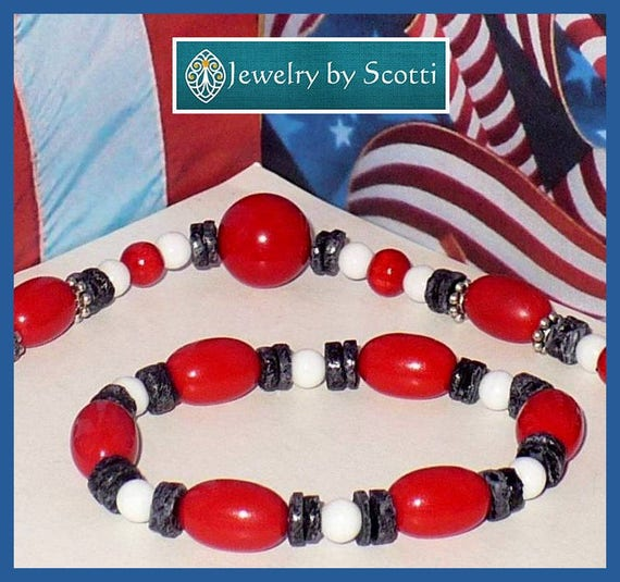 Patriotic Red White and Blue Bracelet, Summer Jewelry, Fourth of July Bracelet, July 4 Stretch Bracelet, Casual Bracelet, Elastic Bracelet