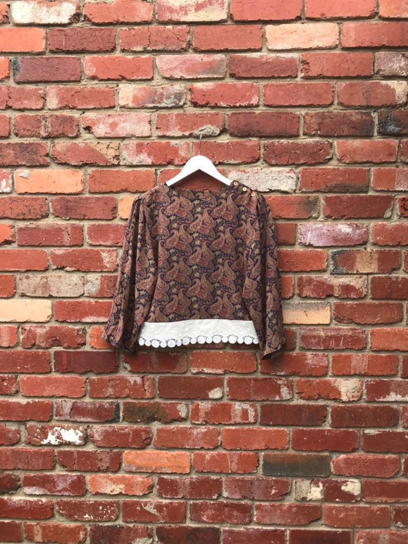 Vintage floral paisley silk long sleeved crop top with lace trim boho abstract retro 60s 70s hippie flutter bell sleeve woodstock