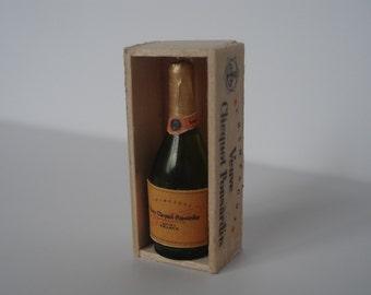 Miniature champagne, dollshouse miniature bottle, dollshouse wine, miniature wine bottle, champagne one inch 1:12 scale