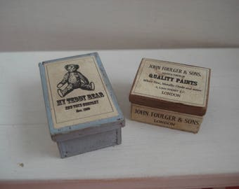 Dollshouse miniature  vintage box,  2 miniature wood boxes,  miniature shop, dollshouse accessories,  miniature box 1:12 one inch scale