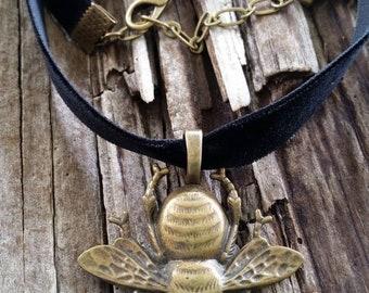 Bronze Bee Velvet Choker Necklace