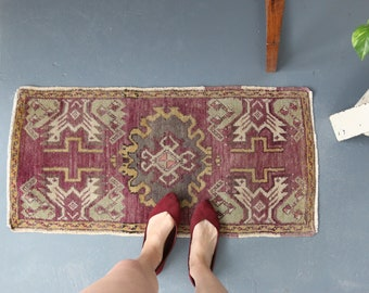 vintage Turkish rug, rustic geometric  tiny rug, happy colors wool rug, meditation rug, door mat, bath mat