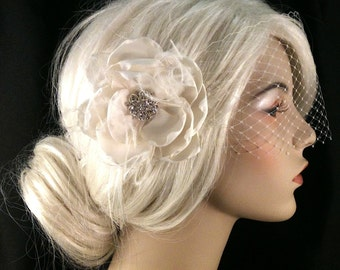 Flower Fascinator, Bridal Fascinator, Wedding Fascinator, Bridal Flower, Wedding Flower, 1920s Headpiece, Gatsby Headpiece, Ivory Fascinator
