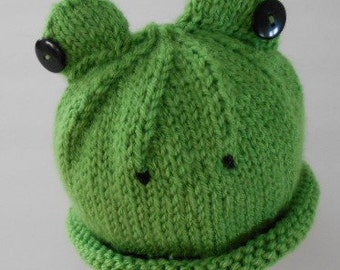 Handknit green frog hat fits up to T3