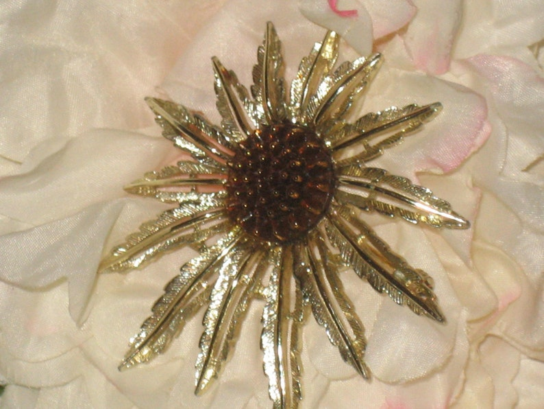 SARA COVENTRY Flower Brooch Designer Sarah Coventry Brooch Brown Bud Flower Pattern Stamped Flower Brooch CLEARANCE Gold Tone