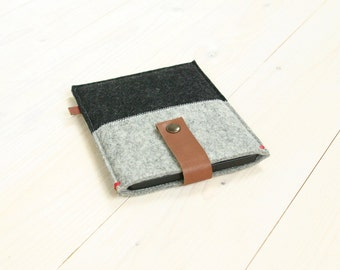 KINDLE KOBO COVER case - black and grey felt - leather closure - Paperwhite Voyage Aura , Kobo Aura One