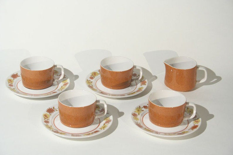 Mikasa Mediterrania Judy Sue Cups and Saucers with Creamer image 0