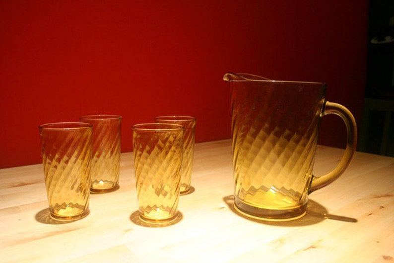 Amber Glass Swirl Pattern Pitcher with 4 Matching Glasses image 0