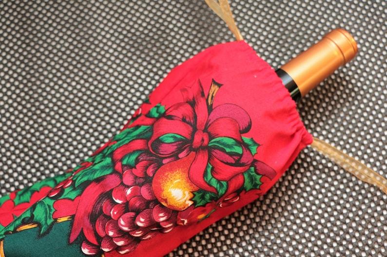 Wine Christmas Gift Bag:  Fruit and Holly image 0