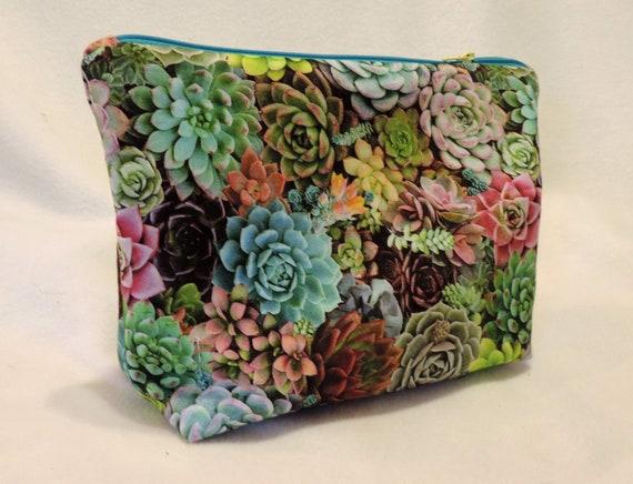 cactus cosmetic bag, succulent bag, organizer bag, southwestern gift, cactus lover gift, last minute gift, gardener gift, gift for gardener