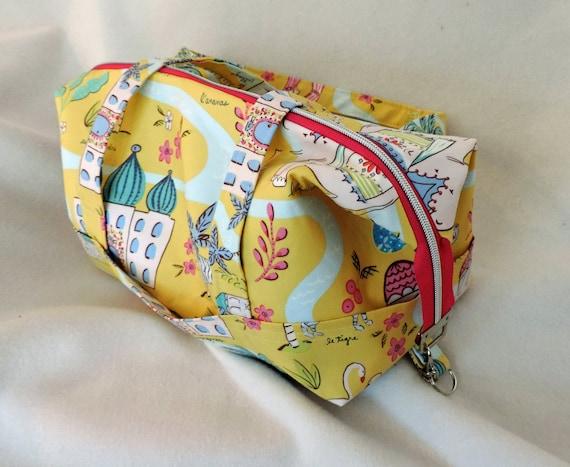 Retreat bag, knitting crochet project bag, large Toiletry bag, Sahara fabric, Summer travel bag, Summer toiletry bag