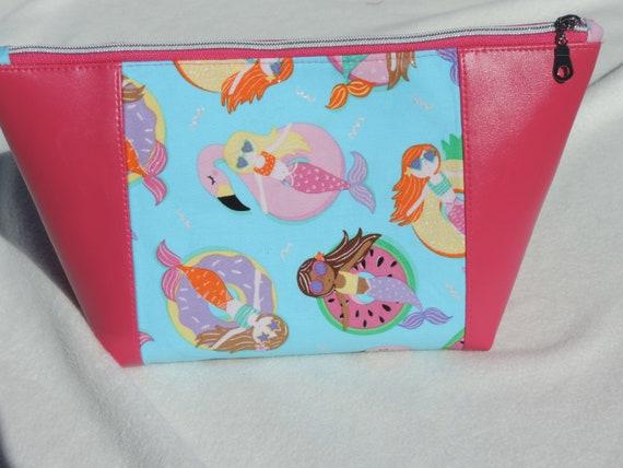 mermaid cosmetic bag, pink cosmetic bag, pink toiletry bag, pink mermaid bag, mermaid lover gift, beach lover gift, last minute gift