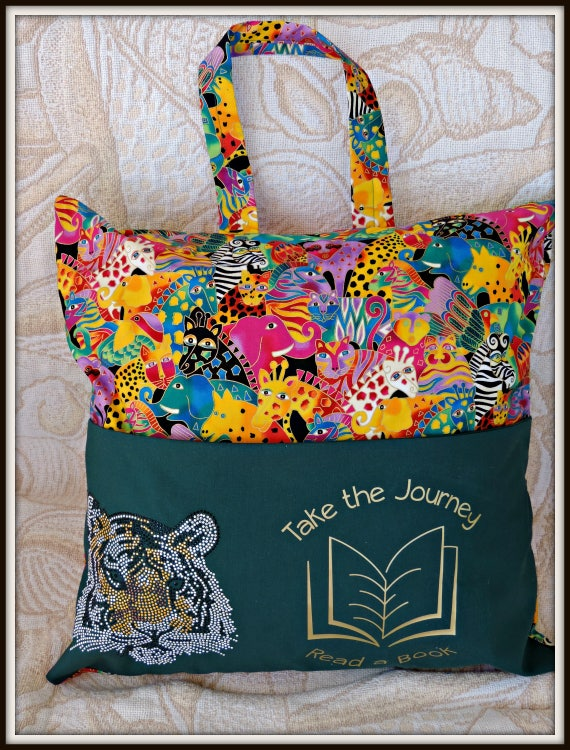 reading pillow, pocket pillow, reading cushion, travel gift, summer camp, vacation gift, book lover, adventure lover gift, jungle print