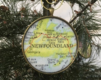 Keep a memory Alive  HONEYMOON Gift  Wedding Map Gift  Travel Tree Ornament  Corporate gift BOLIVIA Christmas Ornament