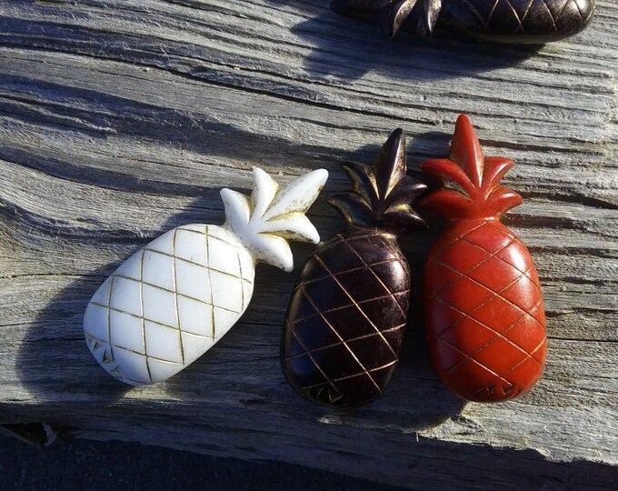Pineapple, VINTAGE, Resin, 2.75x1.5 Inches, German Made, Rusty Red, Creamy White, Black, Priced per Piece