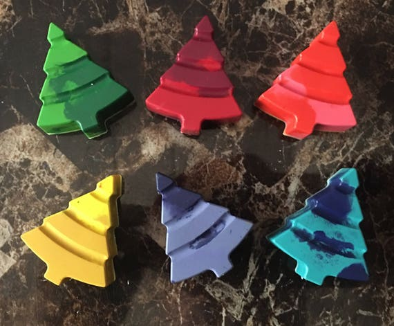 Crayons de couleur pin arbre