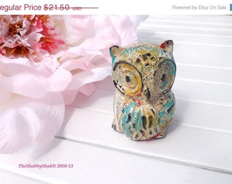 Cast Iron Owl / Bookend / Whimsical Owl / Shabby Chic