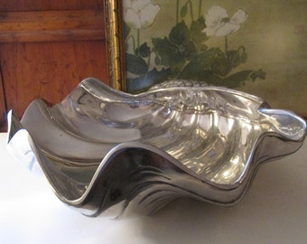 Arthur Court Giant Clam Bowl, Centerpiece Bowl, Hollywood Regency, Beach Coastal Decor, Aluminum Bowl