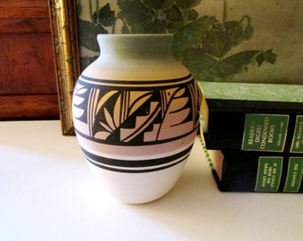 Vintage Mesa Verde Pottery, South West Hand Painted American Indian Vase, Navajo Art Pottery