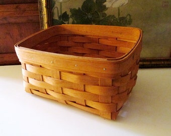 Vintage Henn Baskets of Ohio Basket, Cottage Chic, Handwoven Basket, Made in the USA, Cottage Chic Decor