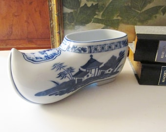 Mottahedeh Blue Canton Dutch Shoe Planter, Rare Blue and White Planter, Porcelain Chinoiserie Vase, Large Dutch Shoe Vase