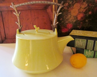 Villeroy & Boch The Vert Teapot, Chinoiserie Chartreuse Asian Style Teapot, Twig Handle Green Teapot, Palm Beach Chic