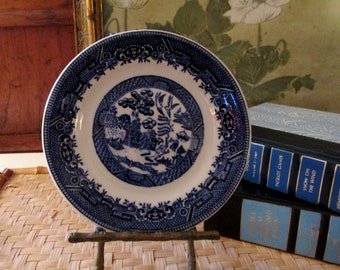 Blue Willow Hotel China Plate, Sterling China Co Bread and Butter Plate, Chinoiserie Chic Decor, Vitrified China