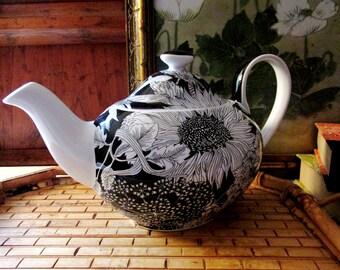 Liberty Of London Target Teapot, Black and White Dunclare, Flower Power English Teapot, Tea Party Decor, Stoneware Teapot
