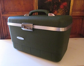 Vintage Forecast Train Case and Tray, Travel Make Up Case, Hunter Green Luggage, Escort Train Case, Retro Carry On Luggage