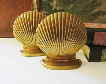 Vintage Brass Clam Shell Bookends, Nautical Decor, Palm Beach Decor, Cottage Chic, Library Decor