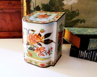 Daher English Chinoserie Tin, Slant Top Tin Container, Floral Tin Tea Caddy Style Box, English Country Box