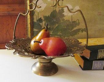 Vintage Brass Centerpiece Bowl, Gold Cake Basket, Fruit Bowl, Holiday Decor, Footed Bowl, Brass Bridal Basket
