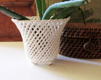 Vintage Footed Flower Pot, Woven White Pottery Wicker Cachepot, Chinoiserie Pot, Palm Beach Decor