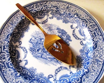 Vintage Gold Tone Pie Server, Rogers Cutlery Co Stainless Flatware USA IS, Modern Living, Hollywood Regency