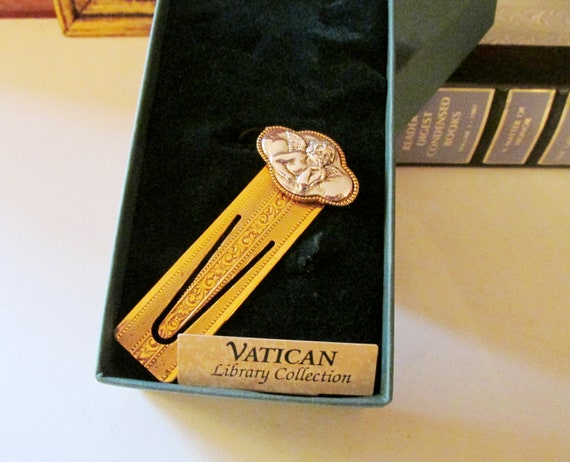 The Vatican Library Collection Gold Tone Angel Bar Religiou Tie Clip