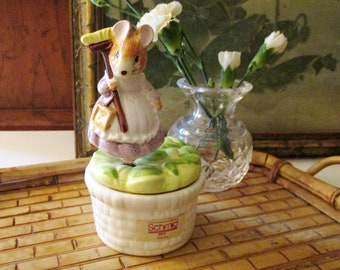 Vintage Schmid Music Box, The Tale of Two Bad Mice, Beatrix Potter, 1989, Musical Collectible Ceramic Box