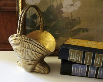 Vintage Brass Sea Shell Style Basket, Beach Coastal Decor, Brass Decor, Boho Planter Basket