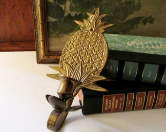 Vintage Brass Pineapple Candle Sconce, Wall Gallery Decor, Hollywood Regency, Pineapple Decor, Chinoiserie Williamsburg Style
