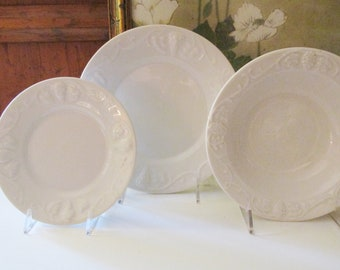 """Vintage Red Cliff """"Grapes"""" White Ironstone Dinnerware"""