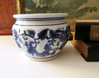 Vintage Blue and White Chinoiserie Pot, Cachepot, Flower Pot, Orchid Pot, Blue and White Decor