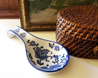 Chinoiserie Blue and White Spoon Holder, Spoon Rest, Chinoiserie Chic Kitchen Decor,