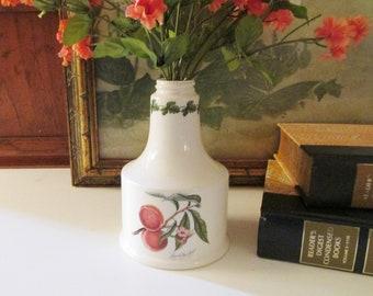 Britian Portmeirion Pomona Bottle, Ceramic Fruit Themed Bottle, Screw Top, Peaches on a Vine, Kitchen Decor, Shabby English Cottage