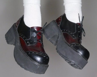 bb955414d758 90s goth oxford lace up red and black mega platform shoes size 9us womens