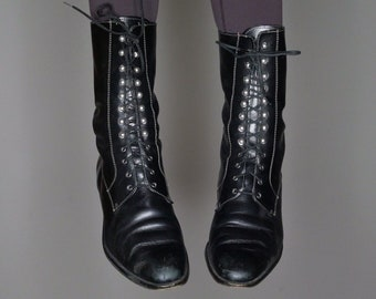 1f327cdc47c8 Qt 90s victorian goth style black leather lace up ropers size 39