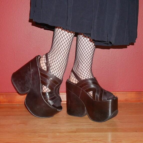 90s goth El Dantes black leather peep to monster p