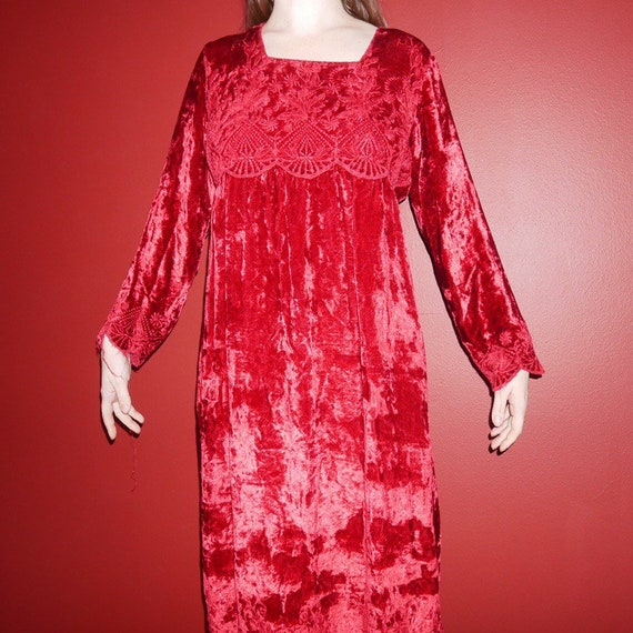90s gothic boho vibrant red velvet long sleeve dre