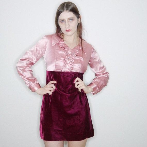 Vtg 60s pink satin and velvet long sleeve mini par